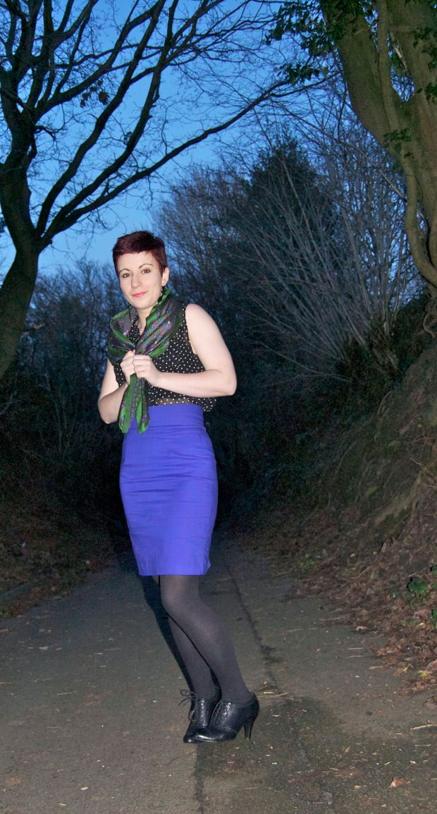 Wearable muslin purple pencil skirt with scarf1