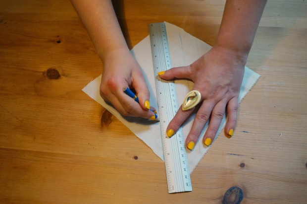 Drawing the cutting lines - look Mum, I'm using a ruler!